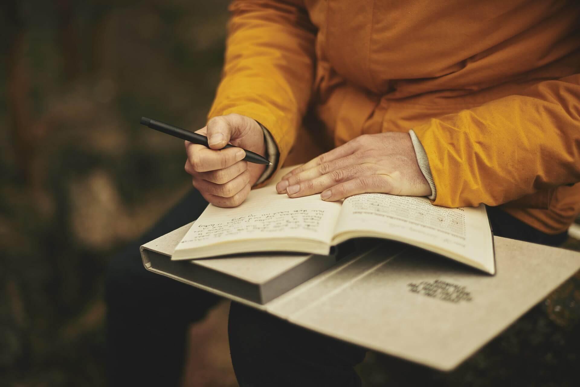 Comment décrire des personnages dans un roman ?